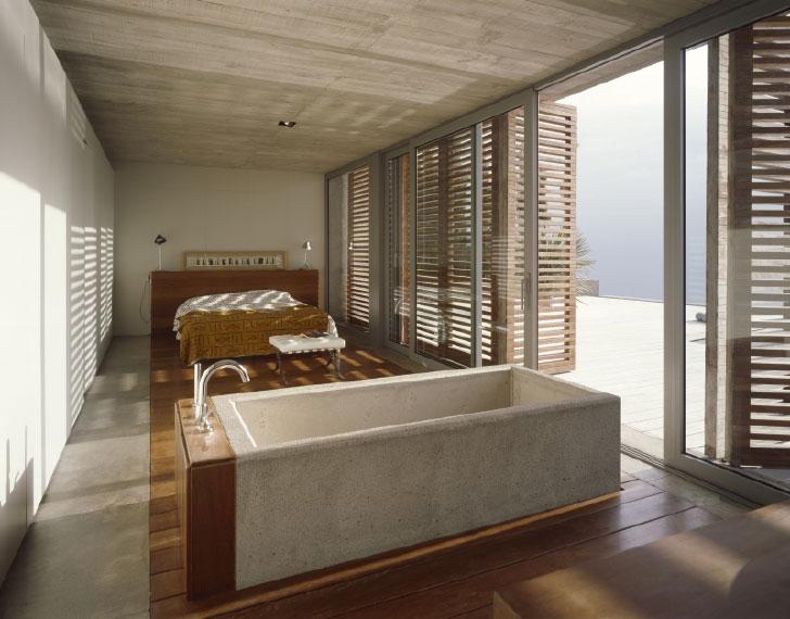 Ванная совмещенная со спальней на вилле от Corona Amaral
