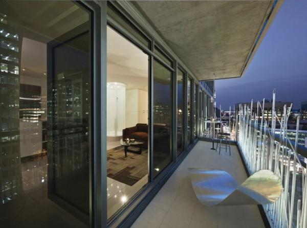 Переосмысление маленькой квартиры от Kariouk Associates